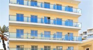 Hotel Africa  Description: Algemene beschrijving: Africa Hotel in Rhodos-City heeft 76 kamers verdeeld over 5 verdiepingen. Het zand/kiezelstrand ligt op 100 m van het hotel en de stad Old Town op slechts 1 km afstand. De...  Price: 286.00  Meer informatie  #beach #beachcheck #summer #holiday