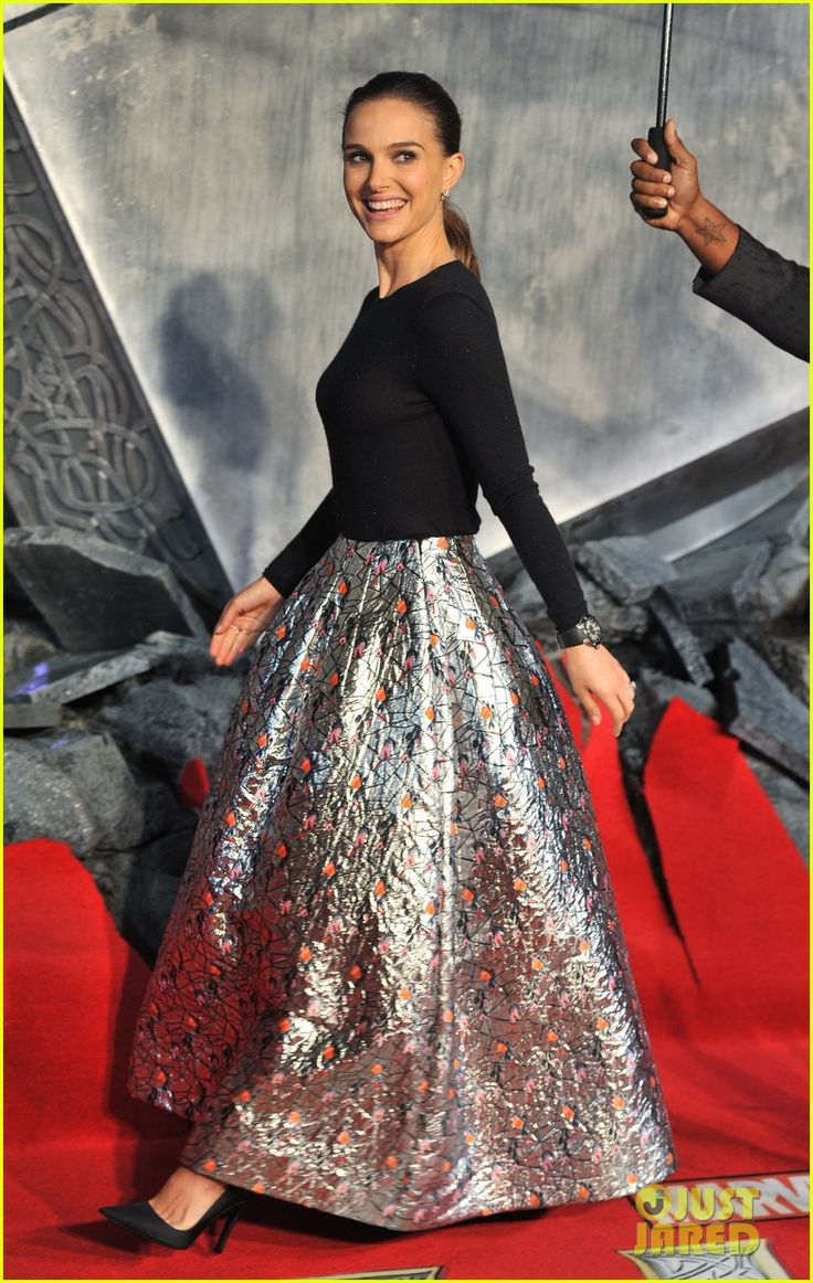 Natalie Portman: 'Thor: The Dark World' Premiere in London! | natalie portman thor dark world premiere 01 - Photo