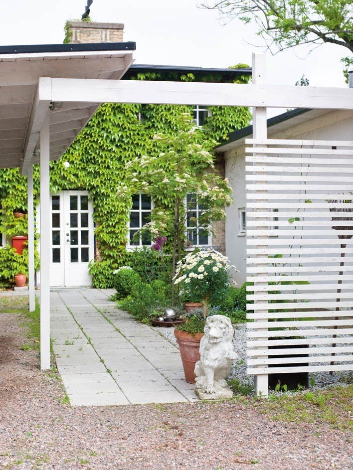 White privacy screen outdoor spaces pinterest the for Outdoor privacy screen white