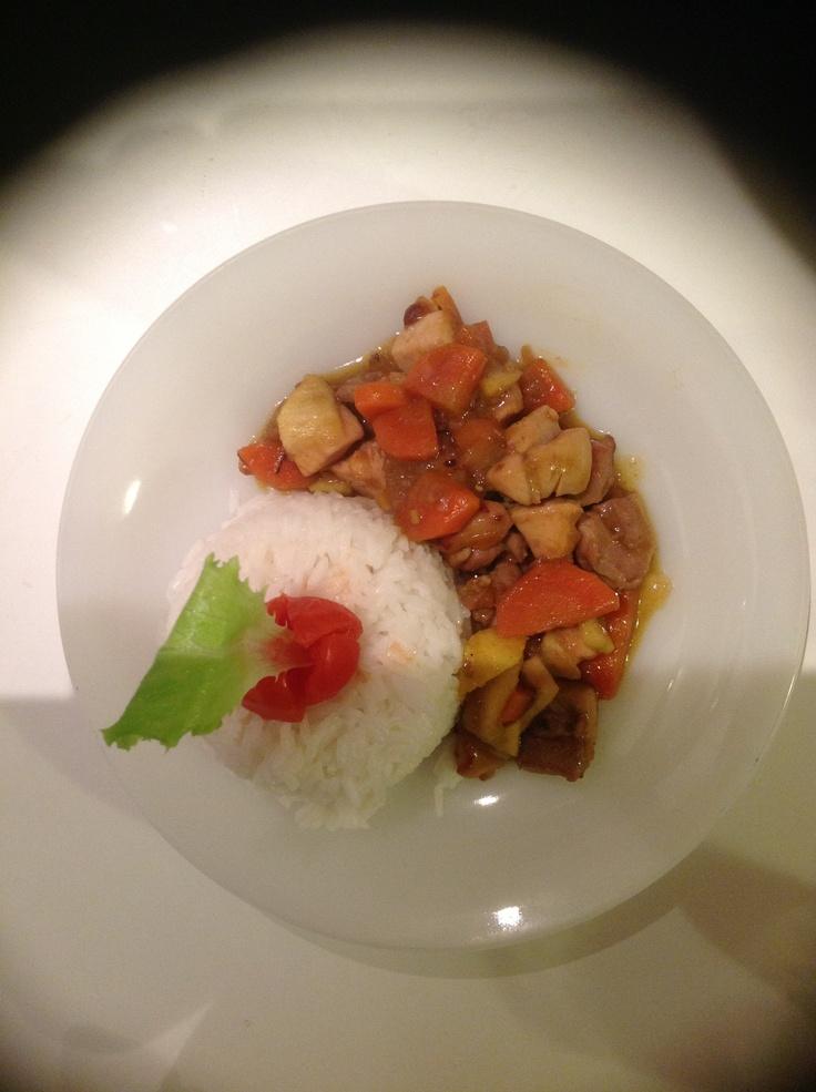 Riso basmati, pollo al curry.  Marzo 2013. Cena after lab.