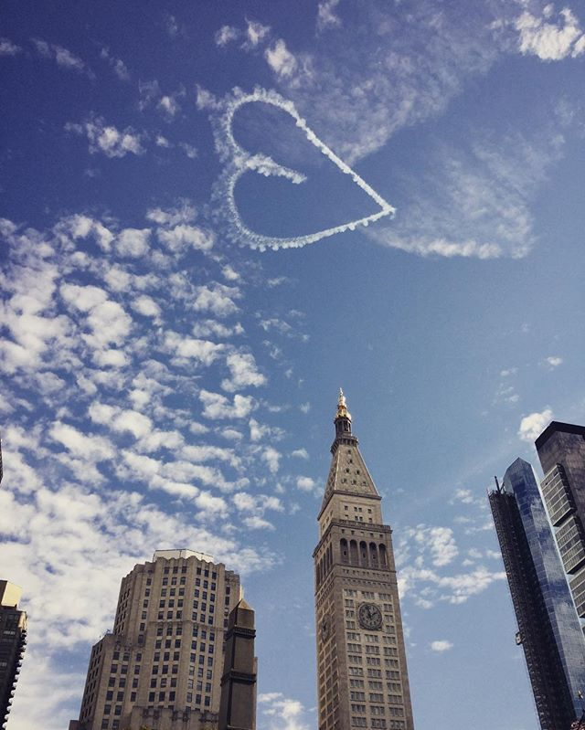 Message...from NYC. ...is the voice from your inner source... Follow it!#clearskies #sky #空 #sora#manhattan#nyc#fantastic #lucky #clouds#lovely#heart