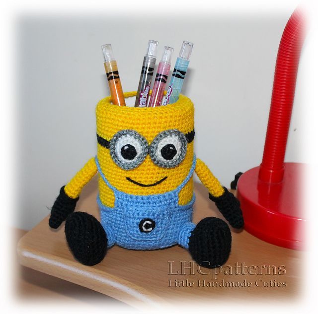 This listing is for crochet pattern to help you create your very own Minion Pencil Holder.