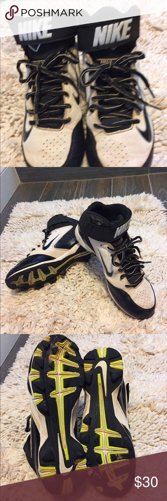 Nike High Top Baseball Leather Cleats Nike Huaraches High Top Leather Baseball Cleats Boys Size 6 1/2. Black and White. In great condition Very Solid Nike Huarache Shoes