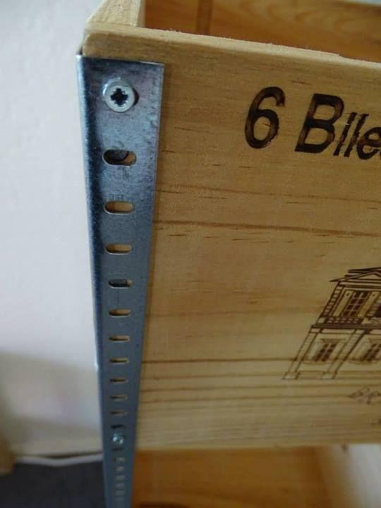 Wine crates. #DIY https://www.facebook.com/atelierdepepe