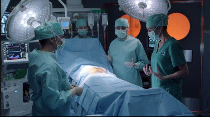 Bajo Sospecha (2nd season)-episode 4 -HERSILL Genesis anaesthesia machine.