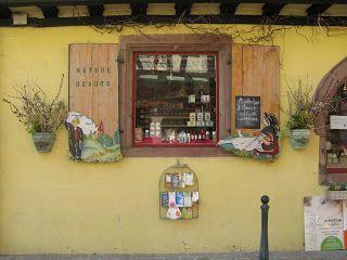 ISTANBUL AIRSIDE: Kaysersberg' den Orjinal Dükkan Vitrinleri (Fransa) - 1