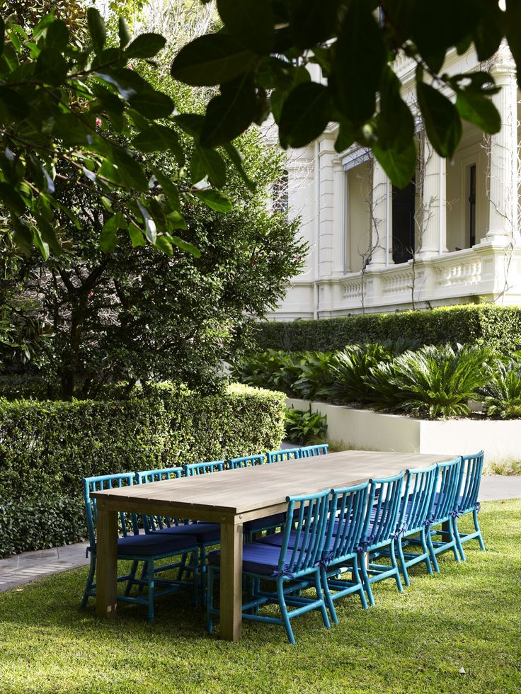 ALBOO  Introducing the perfect outdoor entertaining pair - Australian  designed and handmade Chunky Dining Table