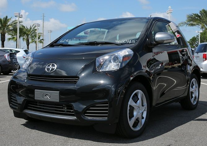 Find an affordable and fuel efficient new Toyota and new Scion hatchback in Orlando!