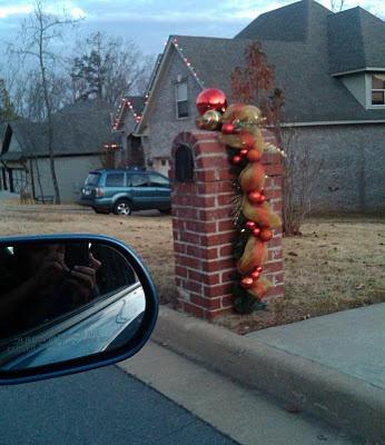 beautiful christmas mailbox decoration - Brick Mailbox Christmas Decorations