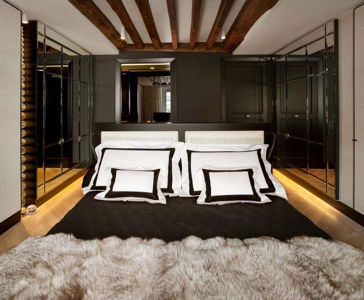 cosy bedroom, fur bed throw, black and white, Frette, black and white bedding, linge de lit we do design.pl - Lifestyle Interior Design : Paris St Honore