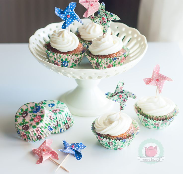 Cupcake cases and pinweel toppers www.happyteapot.gr