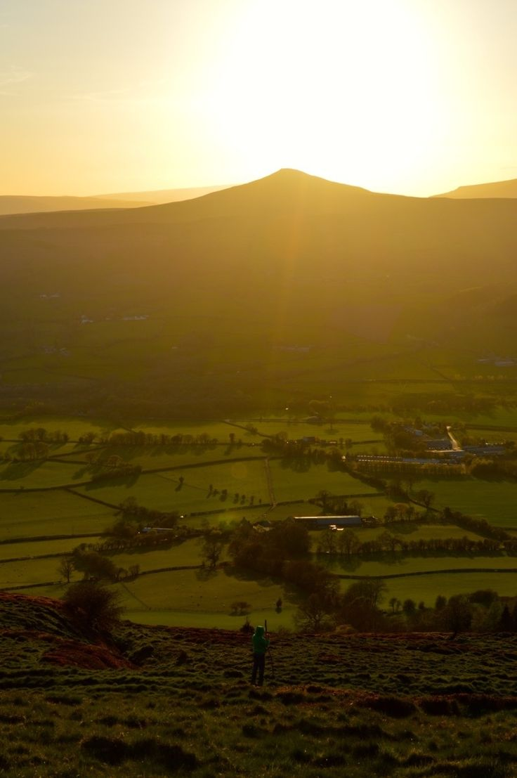 Skirrid Fawr is a beautiful mountain based in Abergavenny, Mid Wales, it has with stunning 360 views, it's a real treat for little effort and manageable for the smallest of legs. It's an ideal walk to watch he sun rise or descend. The woodlands surrounding it are carpeted with flowers. From the car park we …