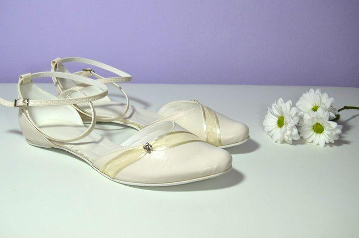 Ivory svatební boty na nízkém podpatku. K-styl. svatební boty, svatební obuv, svadobné topánky, svadobná obuv, obuv na mieru, topánky podľa vlastného návrhu, pohodlné svatební boty, svatební lodičky, svatební boty na nízkém podpatku, nude boty, boty v telové barvě, svatební boty na nízkém podpatku, balerínky, pohodlné svatební boty, topánky vo farbe ivory, slonová kosť