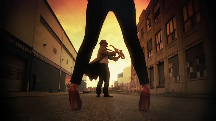 BAKER STREET   -  GERRY RAFFERTY  -  (1978). That Sax, That Guitar, epic tune !!