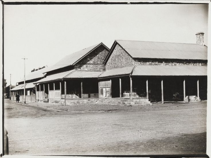 BA597/26: Courthouse and bonded store, corner of Marine Terrace and Gregory Street, Geraldton, ca 1900 http://encore.slwa.wa.gov.au/iii/encore/record/C__Rb4310108?lang=eng