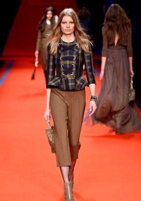 Sfilata ELISABETTA FRANCHI • Milano Moda Donna F/W 2016/2017