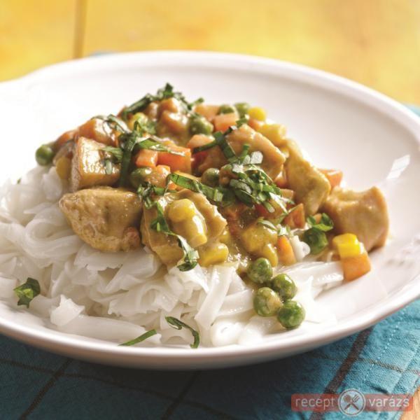Currys csirke rizstésztával
