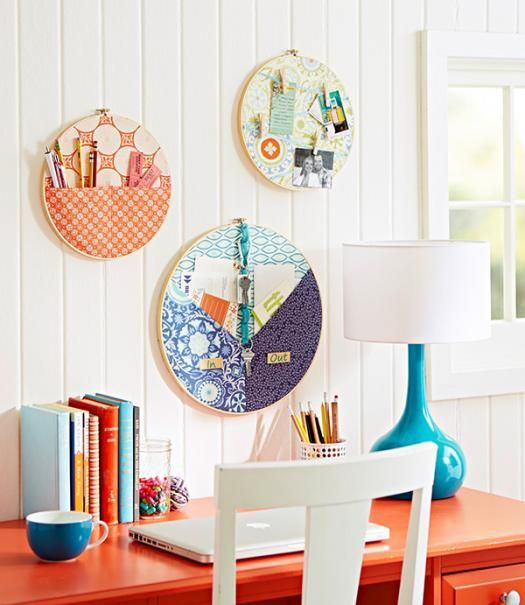 Turn your desktop chaos into a productive work space with a coordinating trio of catchalls made from embroidery hoops.