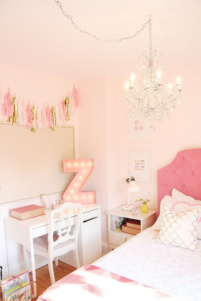 Pink and Gold Girl's room