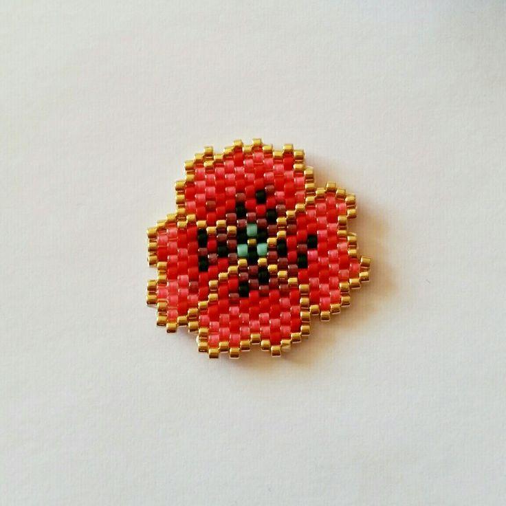 Broche coquelicot miyuki brick stitch modèle mon petit bazar