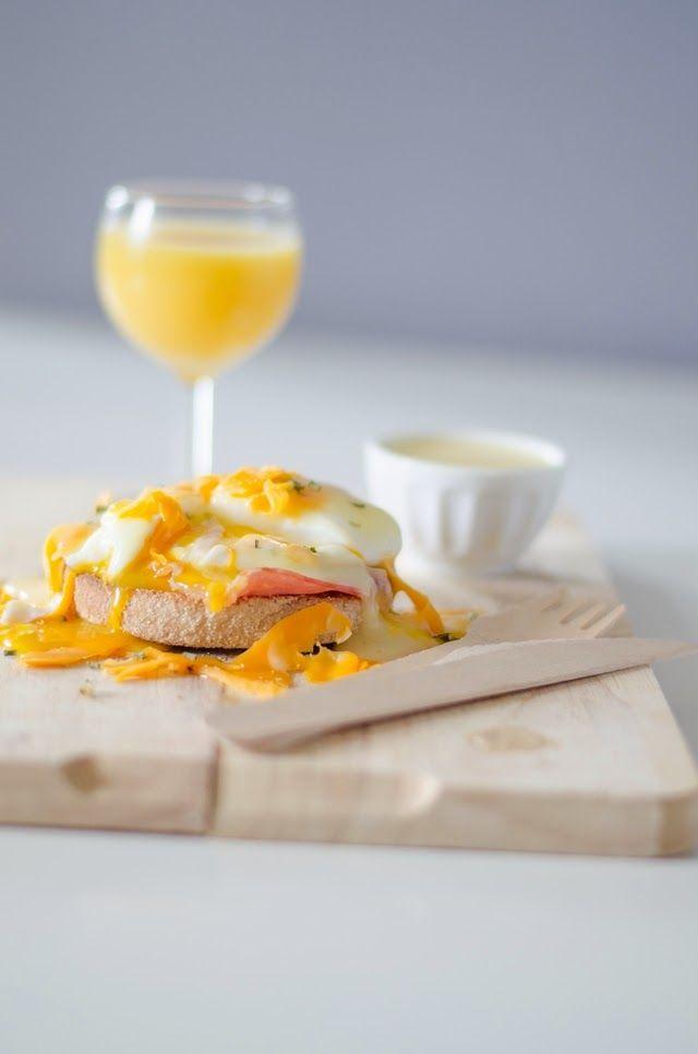 Je dis M. Food & Blog: Oeufs bénédicte au bacon et mimolette jeune