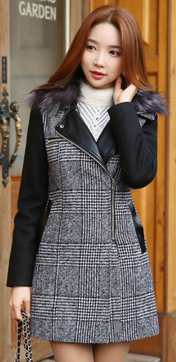StyleOnme_Fox Fur Collar Check Print Leather Trim Zipper Coat #elegant #feminine #coat #wintertrend #koreanfashion #seoul #kstyle #dailylook