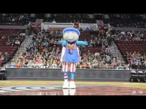 Globie The Mascot Pregame Show - YouTube
