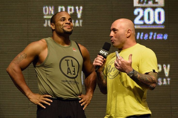 #UFC LHW #champion @dc_mma killing his haters with kindness. Well atleast Jimi Manuwa.. Manuwa went on record to say this about DC : Fuck Daniel Cormier. Hes a fucking fat wrestler and I dont really give a shit what he says. Everyone says hes a nice guy but I dont really like him. He seems to me like a bully and I dont like bullies. Hes got the belt hes a great fighter and everything. I respect him for that but as a person I dont really like him. I dont like his attitude towards other…