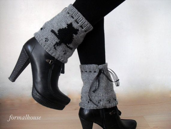 Black Cat pattern Legwear. Gift ideas. Winter Accessories. Women Accessories, Holidays Fashion. New Year's Gift ideas.  FORMALHOUSE