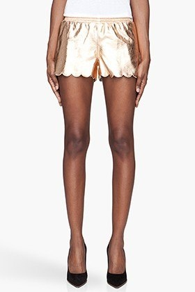 It's that time of the year- shorts are back. Find the perfect style for your body!