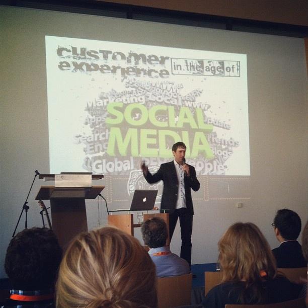 "@singsign's photo: ""United Breaks Guitars #sdt2012 #customerservice #socialmedia"""