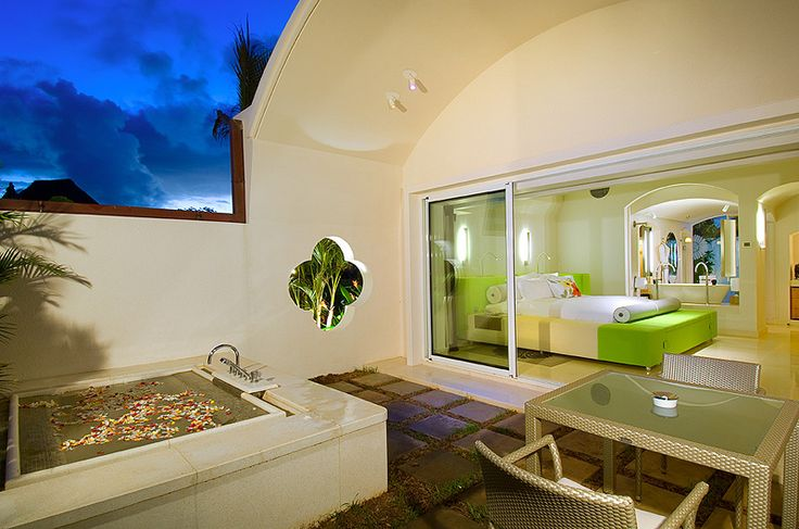 Besides its warm welcome, beautiful surroundings and breathtaking beauty, Mauritius is also an idyllic getaway for lovers. Relaxing, intimate, romantic, full of discoveries: How do you want your stay to be like ? There will always be a place to allow a romantic getaway. If you are looking for a stress free honeymoon, seek for assistance at Isla-Mauricia. #Mauritius #Honeymoon #Couples I ❤ MAURITIUS! ツ…