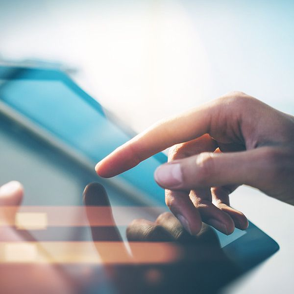 Numa economia Digital, prioriza as Pessoas? www.hydra.pt #microsoft #rh