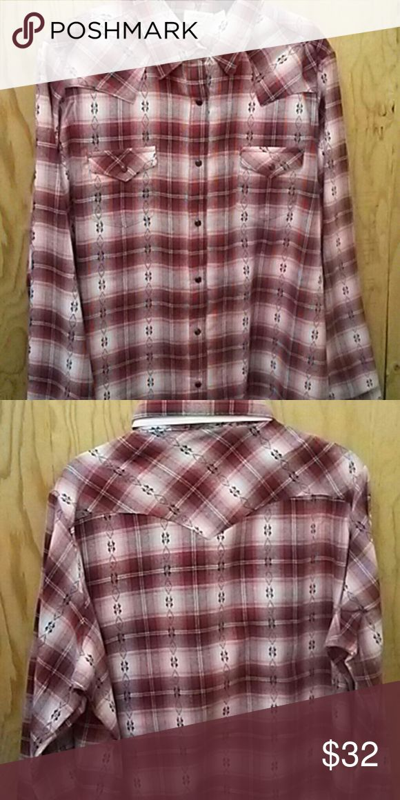 New ladies flannel shirt Super cute new Tops
