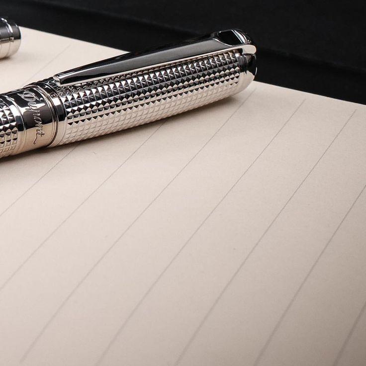 いいね!143件、コメント2件 ― S.T. Dupont Officialさん(@stdupont)のInstagramアカウント: 「Make your mark. Experience the art of writing with the new Line D collection from @stdupont.…」