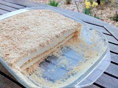 Doce de bolacha Maria - Também conhecido por doce de serradura (porque a bolacha maria em pó parece serradura), é um doce comum em cafés e restaurantes porque é simples de fazer e delicioso.