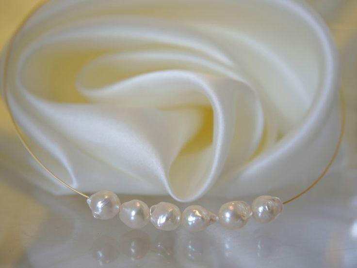 Perlenketten - Collier Barock Akoya Perlen Vergoldet Stahlseil - ein Designerstück von Morgentau-Schmuck bei DaWanda
