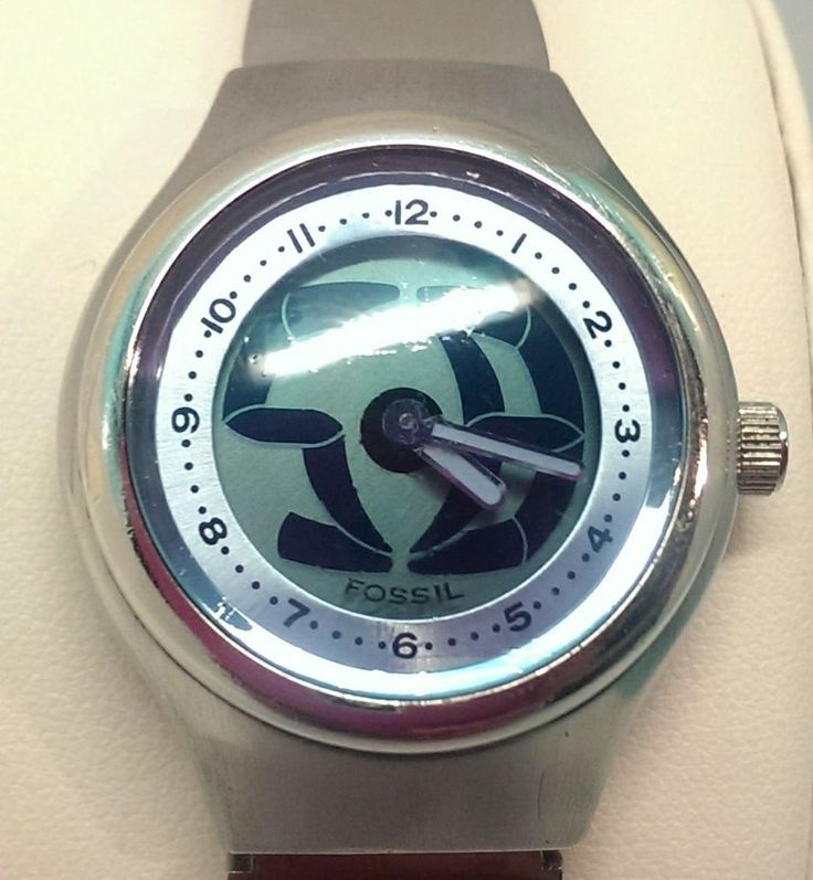 The original and classic style #BigTic #animated women's #watch by #Fossil. Makes the perfect gift! Fossil Big Tic JR-7876 Women's Animated Watch Stainless Steel Water Resistant $31.00 USD #Fossil #Fashion #Watches #GiftIdeas www.iiwiiMerchandise.com