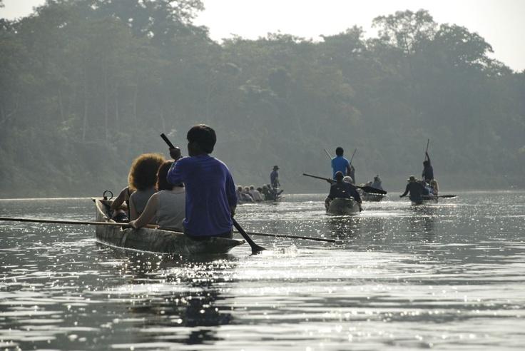 Spływ nepalskimi czułnami na zlokalizowaną w dżungli farmę krokodyli