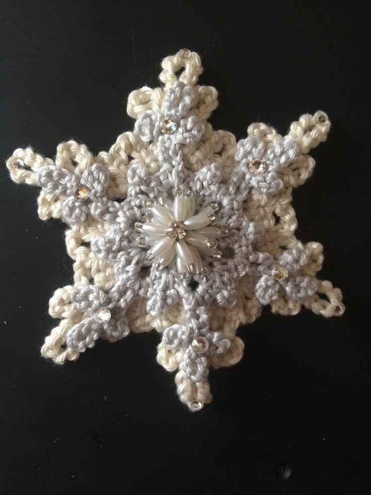 Snowflake crochet clip