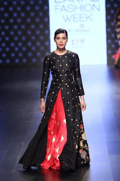 Myra Magazine • Swati Vijaivargie   Lakmé Fashion Week A/W 2016 • http://www.myramagazine.com/home/2016/9/3/swati-vijaivargie-winter-festive