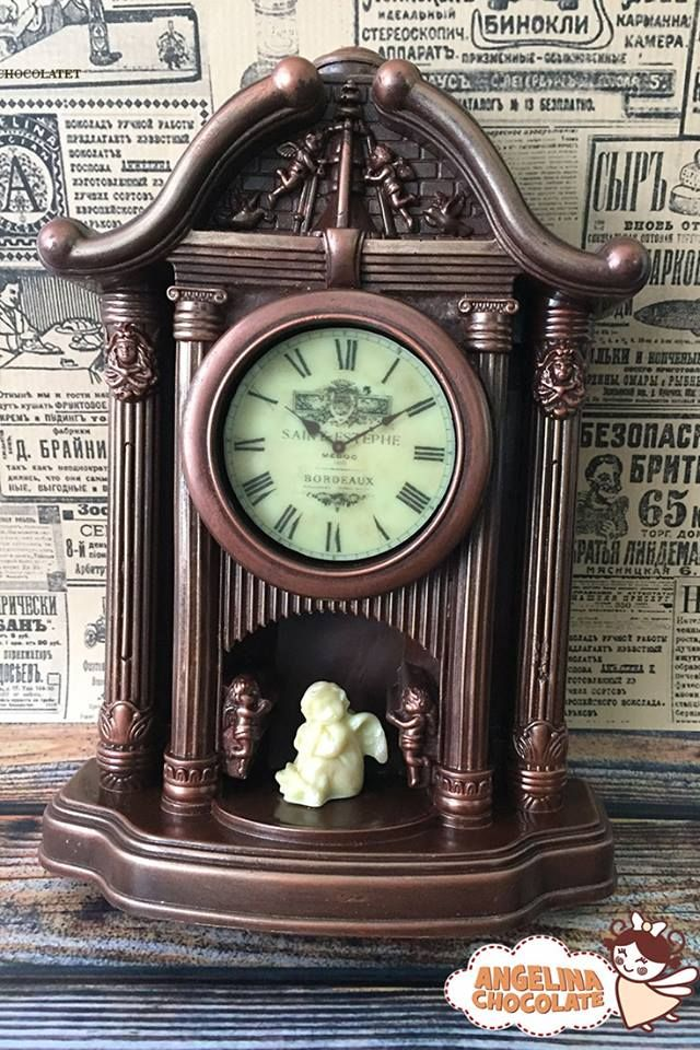 086449b444b9  chocolate  antique  retrofashion  clockgift  retro  watches  watch   collectors  giftideas  rare  giftguide  clock  chocolateclock  food   foodgift