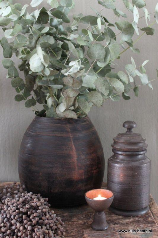 Oude houten Indiase pot