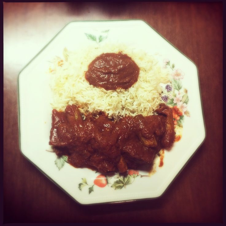 Meat with courgettes and basmati rice