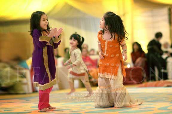 kids on wedding