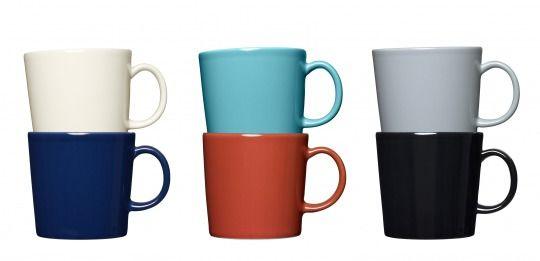 カイ・フランク《マグカップ「ティーマ」》現行製品(プロトタイプ1979-1980年)©Iittala  シンプルでおしゃれな椅子。木工でできた温かみのある雑貨。色鮮やかな食器…。日本でも人気の北欧デザインですが、すべてに共通するのが、