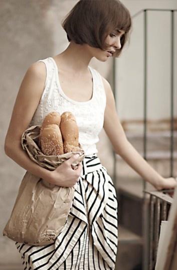 タンクトップにボーダーのスカート。シンプルだけど凝ったデザインで素敵。 #eruca
