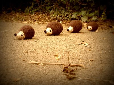 one man crochet: free crochet hedgehog pattern