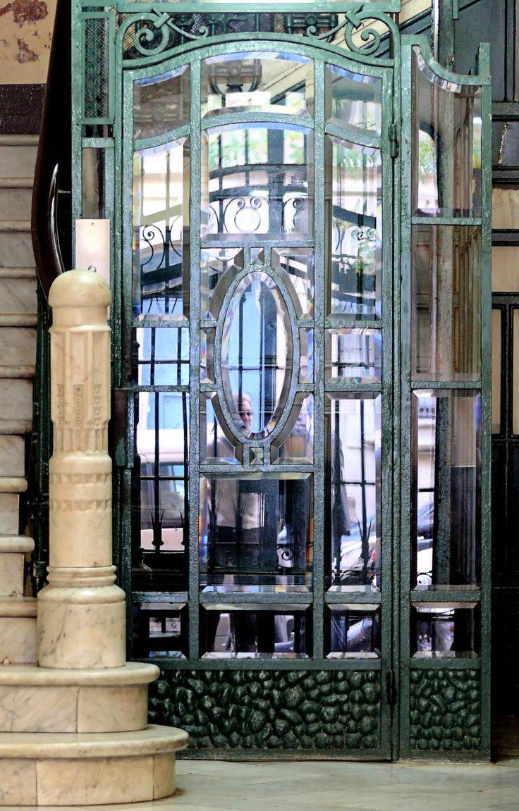 Automatic door details by borolo doors and windows doors rare - Arnim Schulz Barcelona Bail N 11 Casa Concepci Regordosa 1902 Architect Eduard Mercader