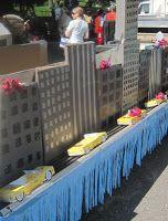 Chuck Does Art: DIY Super Fast Super Easy Cardboard City Skyline Parade Float